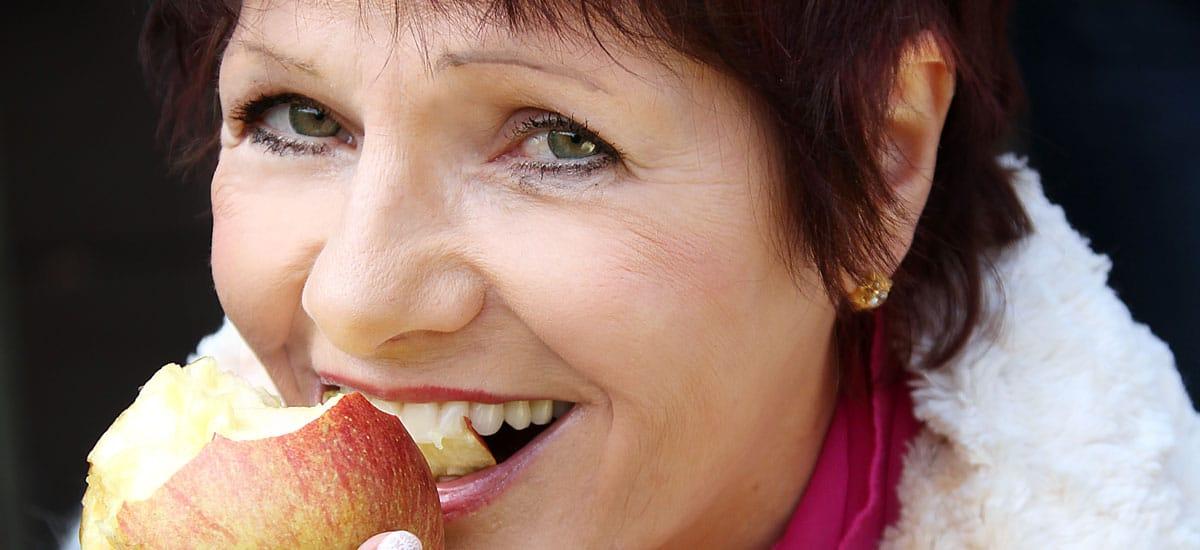 Höchstes Ziel ist, dass wir mit unseren Zähnen optimal kauen, beißen und lachen können.
